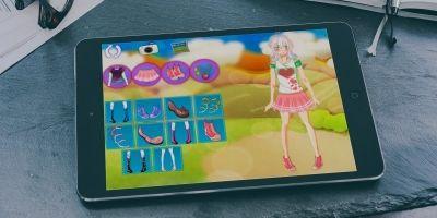 Jennifer Dress Up - Construct 2 Game Template